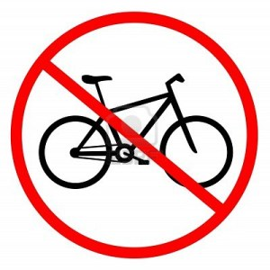 Arriva Christo e le bici sul lago d'Iseo si fermano